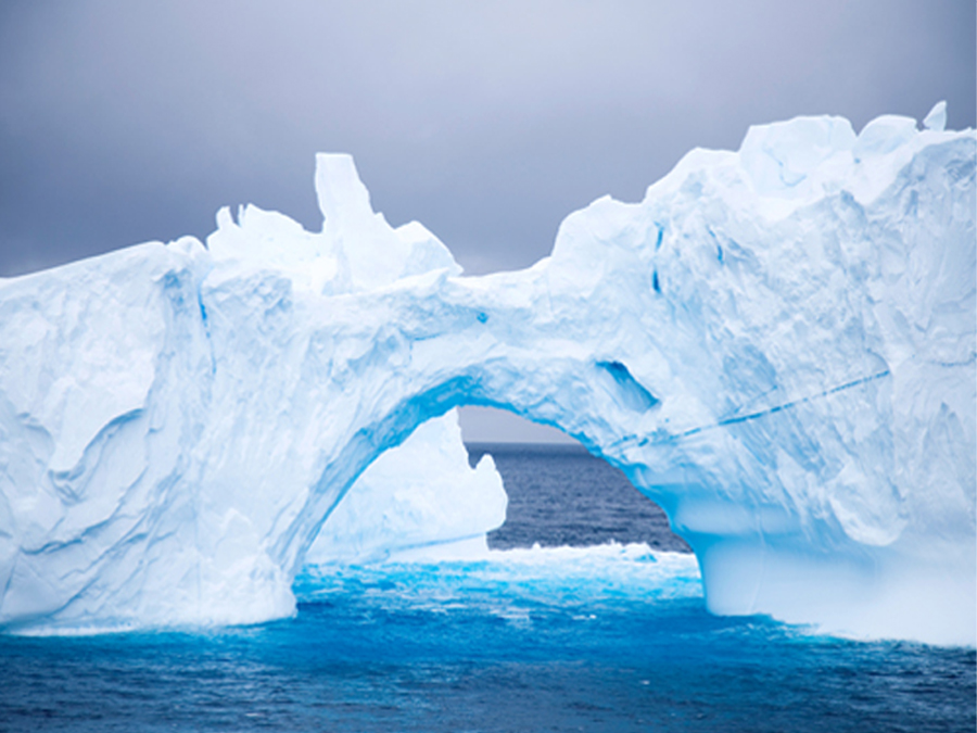 Fototapeet ARC OF ICE