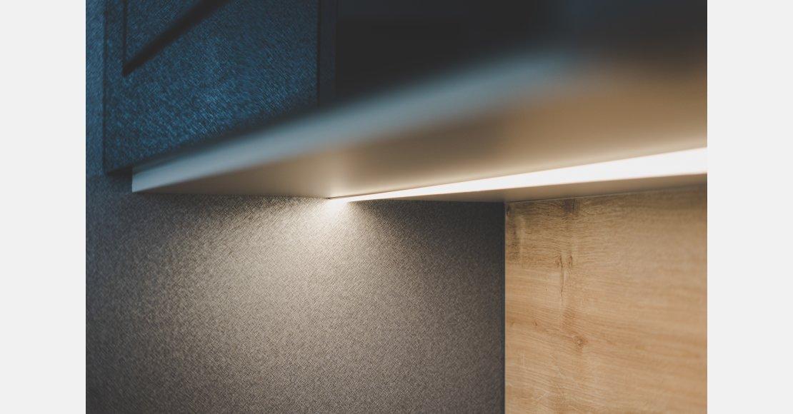 Ülemise kapi alune LED riba komplekt